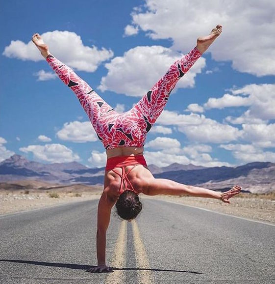 One-Handed Handstand | inKin Fitness Blog